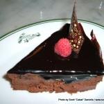 Random image: 2007/06/14 - Eating cake at Raffles Hotel