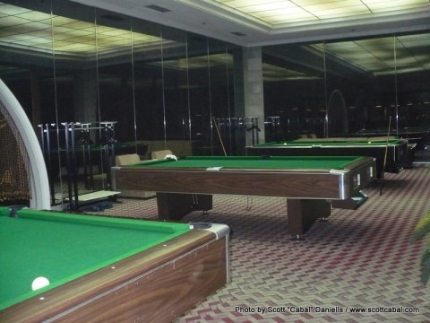 The pool hall of the Yanggakdo Hotel