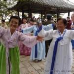 Random image: 2010/10/11 - Dancing North Koreans