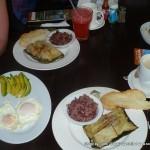 Random image: 2012/02/06 - Breakfast time