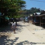 Random image: 2014/03/05 - Walking through a Moken village