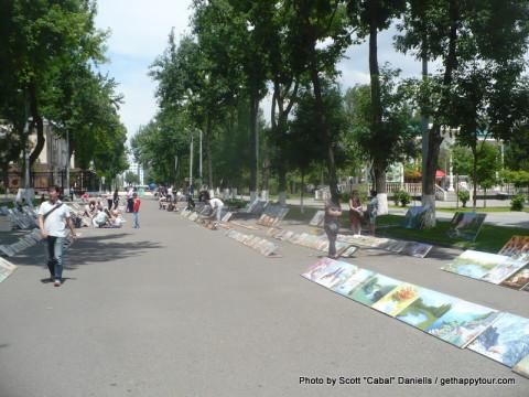 Art sale in Tashkent